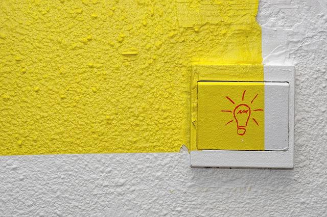 abstrakce na zdi
