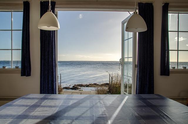 okno na pláž